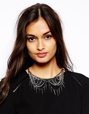 French Connection | French Connection – Kurze Halskette mit Ketten und Perlen bei ASOS