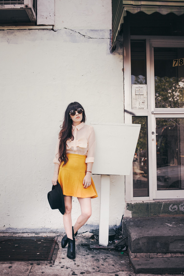 jag lever shirt skirt sunglasses shoes