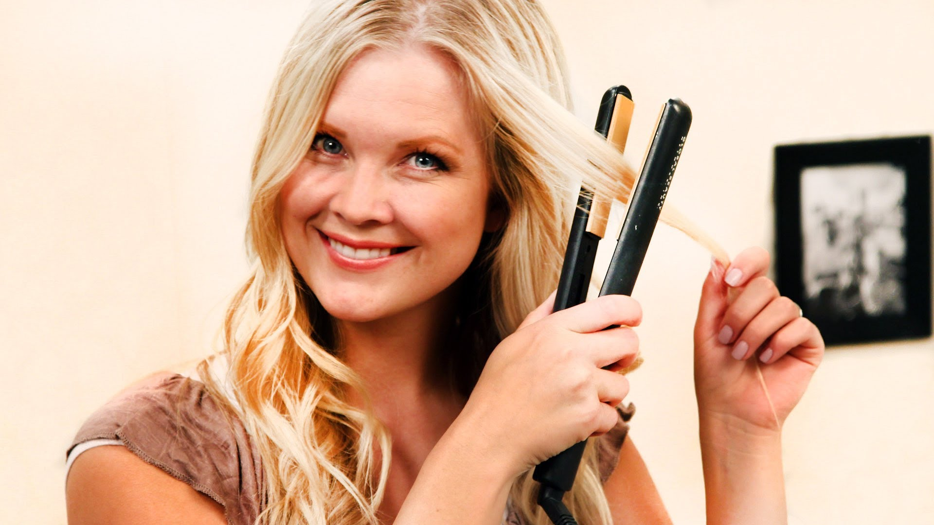 How-to Get Beach Waves with a Flat Iron! - YouTube