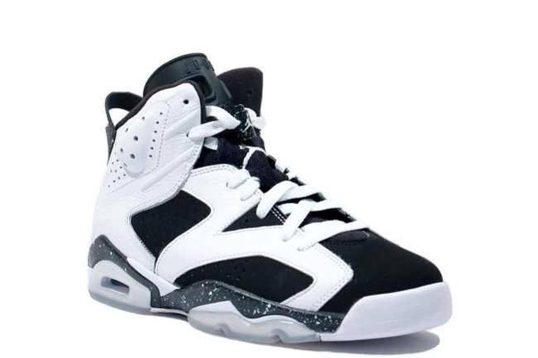 shoes jordans black white
