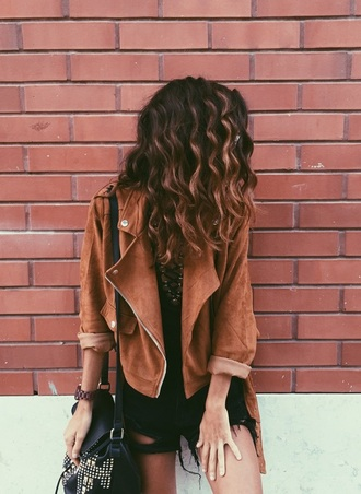jacket perfecto brown perfecto kamel leather jacket fall outfits fall colors hipster tan brown leather jacket 70s style boho boho jacket cool brown jacket ripped shorts shorts brown curly hair bag ripped jeans black faux leather casual suede leather
