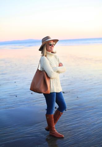 lemon stripes blogger sweater hat bag jeans shoes white cable knit sweater cable knit white sweater brown bag skinny jeans blue jeans brown boots aviator sunglasses