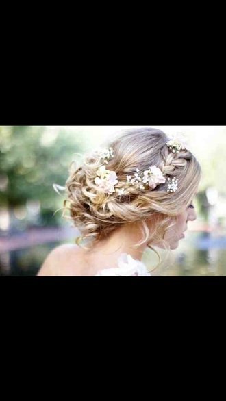 hair accessory wedding accessories fashion floral top roses rose pin up head jewels elegant love valentine's day flower crown flowered flowers flower headband flowered shorts hipster wedding hair and makeup hair/makeup inspo