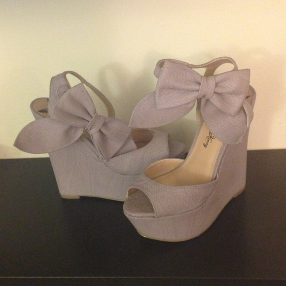Penny Loves Kenny - Penny Loves Kenny lavender bow wedges. from Petite's closet on Poshmark