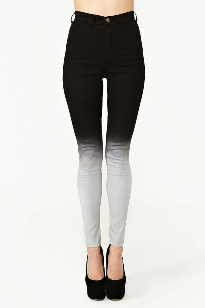 Fade Out Skinny Jeans at Nasty Gal