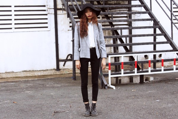 bloody roses jacket blouse jeans hat shoes