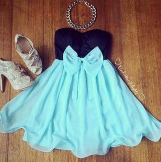dress blackandblue shoes bows blue chain necklace high heels bow necklace angelina jolie cute bikini floral swimwear bright blue cute