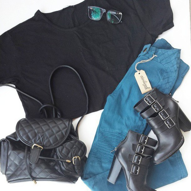 top pocket t-shirt black black crop top crop tops pocket crop top boxy boxy crop top jeans jeggings denim high waisted jeans high waisted jeggings high waisted leggings leggings teal jeals teal leggings ribbed shoes