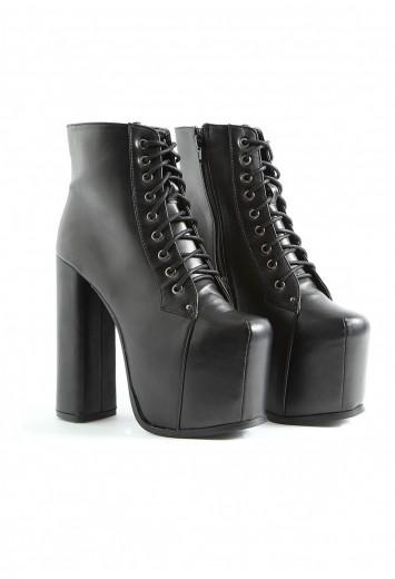 Darby Ultimate Leather Platform Boots- footwear- missguided
