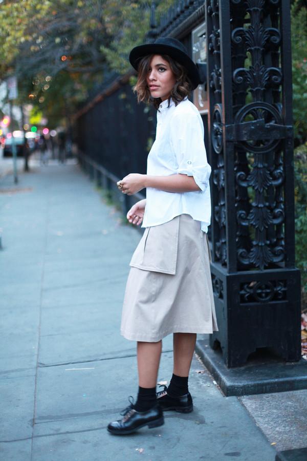 trop rouge t-shirt skirt shoes jewels hat