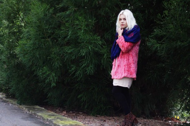 styles by hannah riles blogger pink faux fur coat dress shoes jewels tights