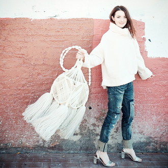 sea of shoes blogger jeans shoes silver sandals