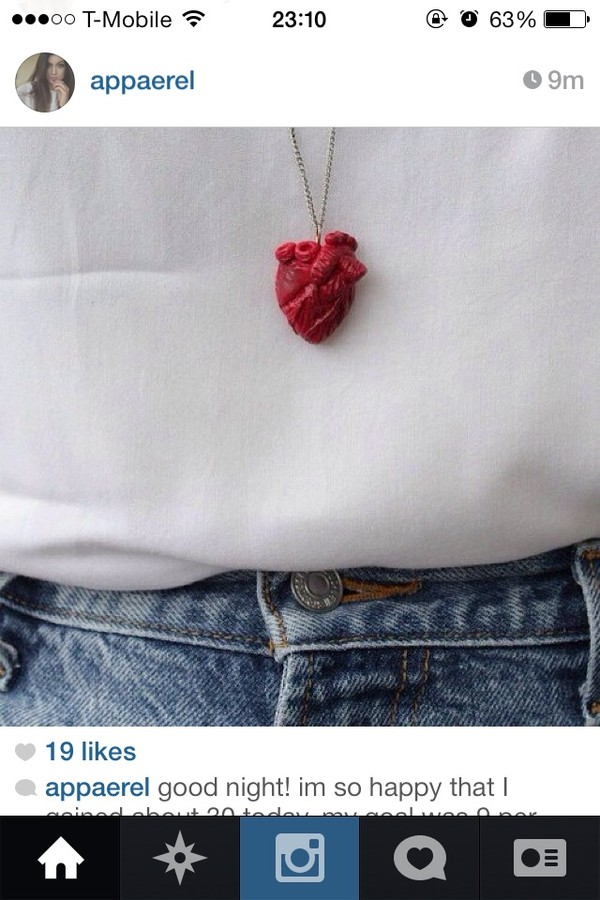 jewels necklace heart heart jewelry earrings cool red dress black fashion shirt red heart jewelry