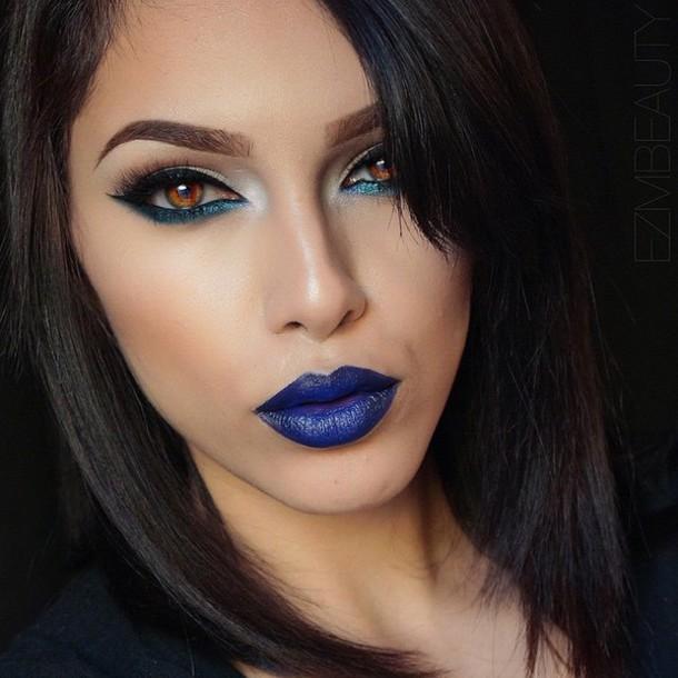 make-up lipstick blue
