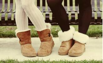 shoes ugg boots boots brown colorful fur white caramel soft girl boot pants