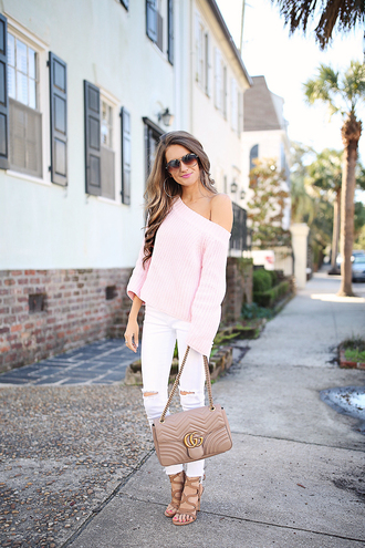 southern curls and pearls blogger sweater pants shoes bag sunglasses jewels make-up gucci bag pink sweater sandals white pants