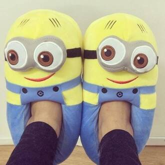 shoes minions yellow eyes feet foot nice movie funny