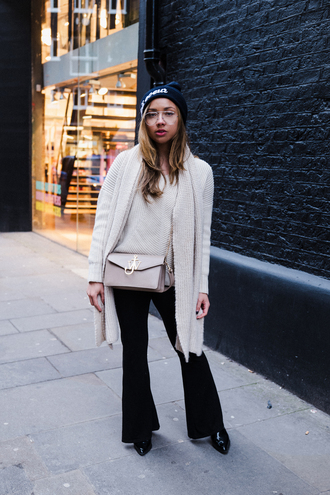 a style diary blogger sweater pants hat scarf bag shoes