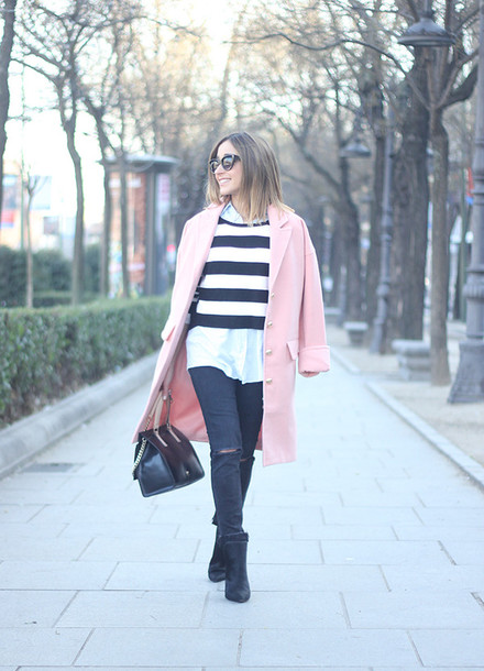 besugarandspice blogger coat sweater jeans shoes sunglasses bag jewels
