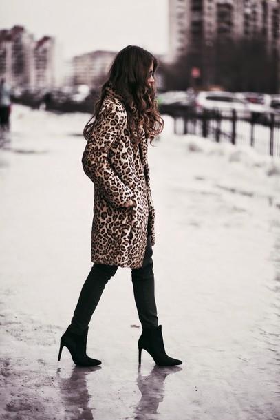 acid coke blogger coat leopard print shoes fur leopard print winter coat fur coat pants black pants boots winter outfits winter coat winter look high heels boots black boots ankle boots printed fur coat