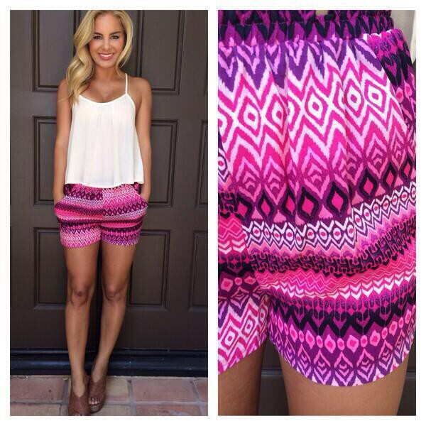 shorts pink pattern summer pants summer outfits violet fashion floral outfit pretty beautiful