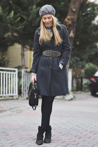 ag on i ya blogger grey coat belt studs beret