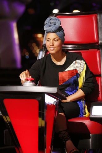 sweater fringes blue yellow red alicia keys the voice