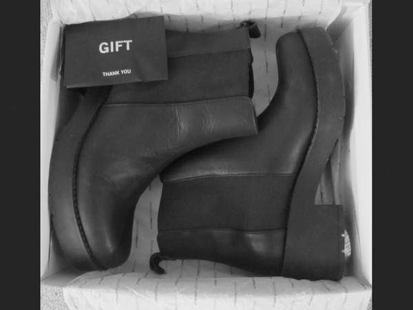 shoes black ankle boots tumblr gift ideas chelsea boots Boots with Heels