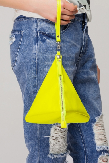 Faux leather triangle purse - FrontRowShop