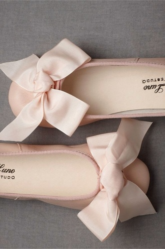 shoes ballet flats romantic baby pink bow light pink champagne pink metallic ballerina flats