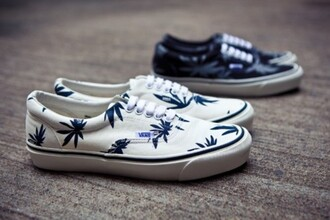 shoes white marijuana vans vans grass marijuana marihuana vans marijuana palm tree print white blue sneakers mariujana weed