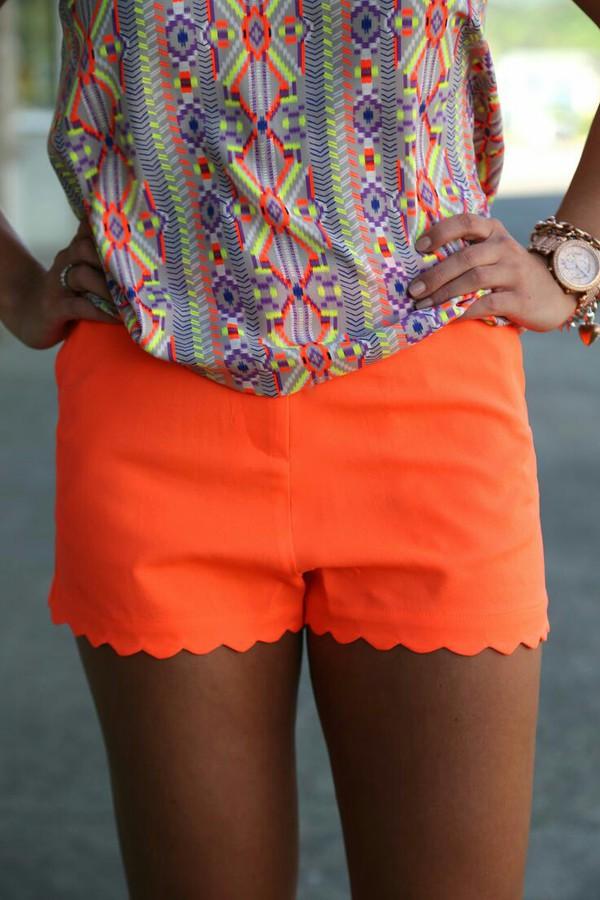 shorts neon blouse pattern