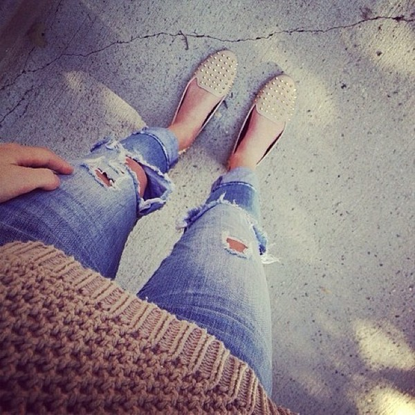 sweater fall outfits winter outfits jeans ripped jeans flats loafers studded loafers shoes smoking slippers