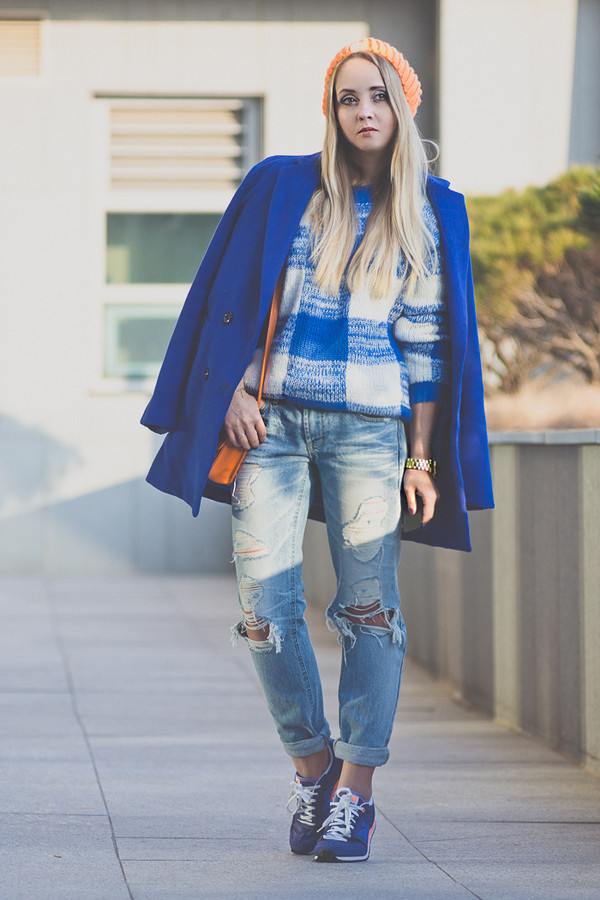 my blonde gal sweater coat shoes jewels jeans