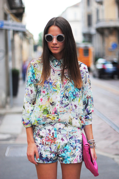 fashion vibe shorts shirt jewels shoes bag t-shirt sunglasses