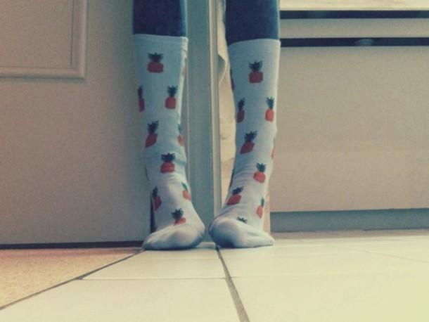 socks tall pineapple