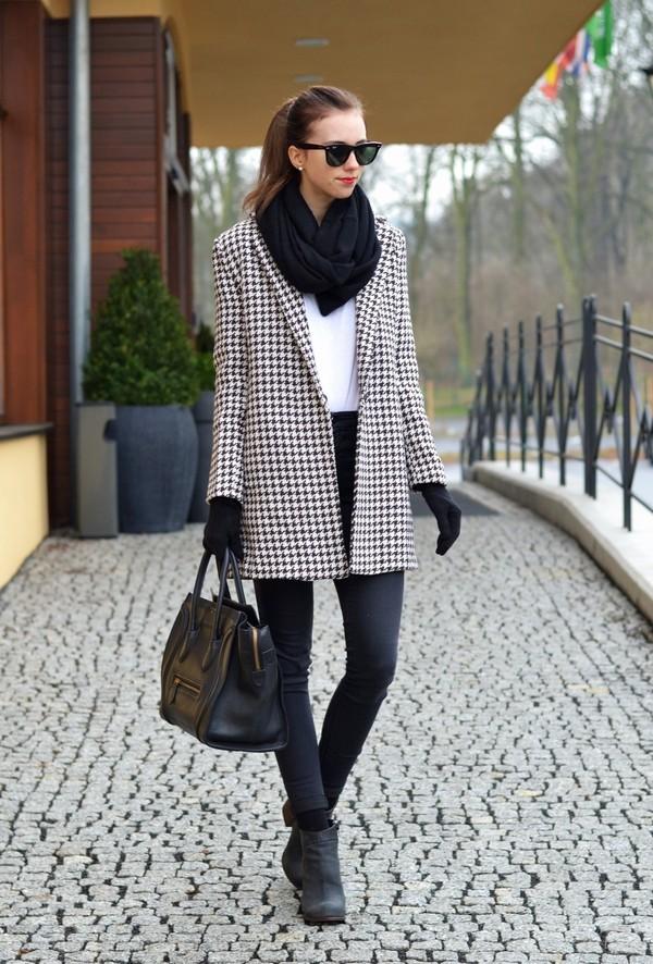 vogue haus t-shirt jeans coat shoes bag sunglasses scarf