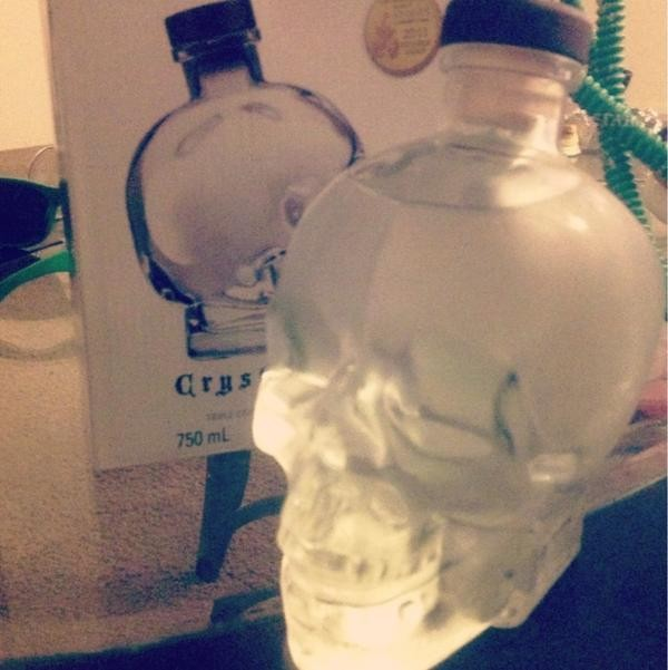 bag glass crystal cool skull water bottle