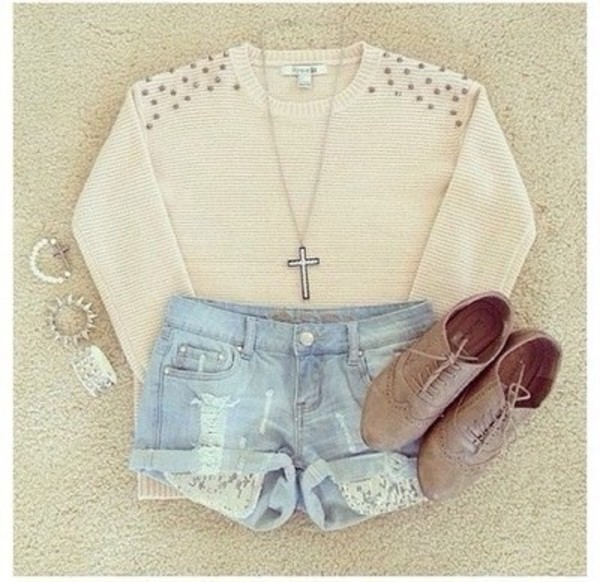 sweater shorts shoes jewels