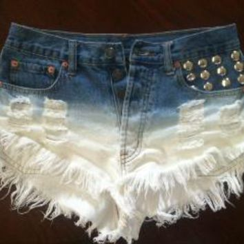Bib   Tuck Ombre Jean Shorts on Wanelo