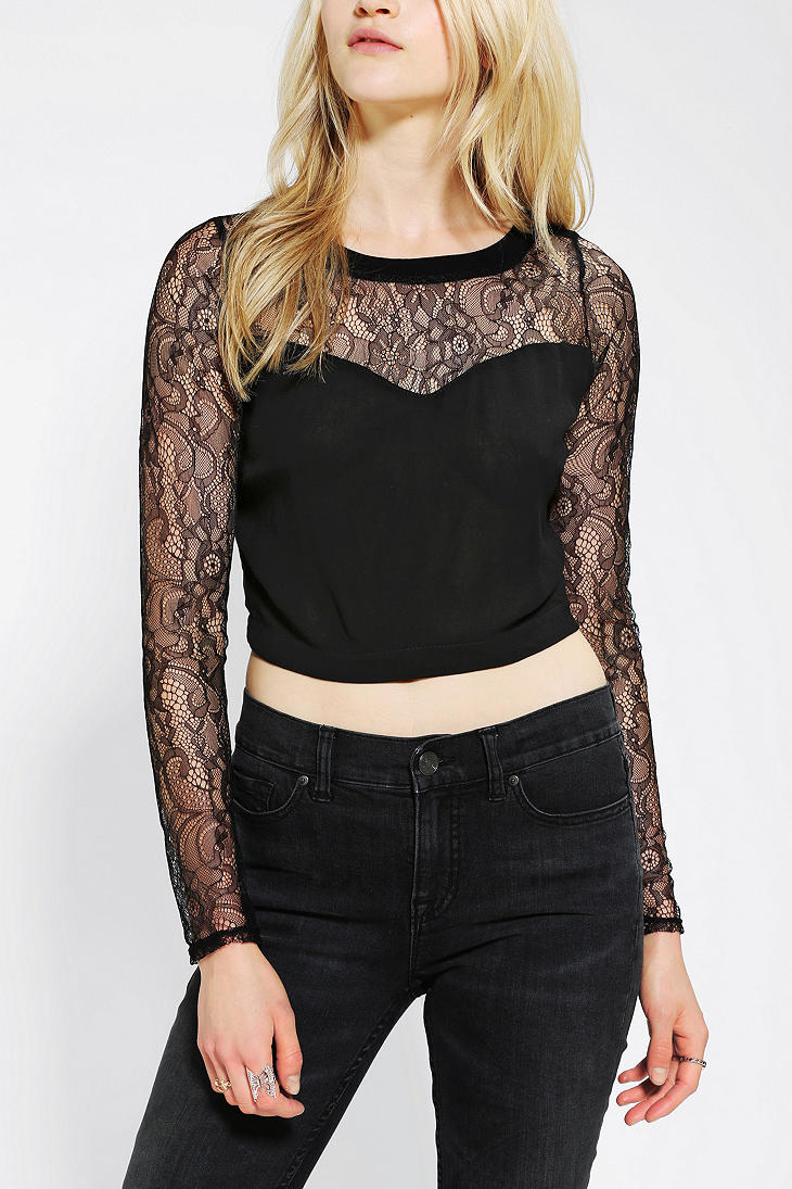 Lush Sweetheart Lace Cropped Top - Urban Outfitters