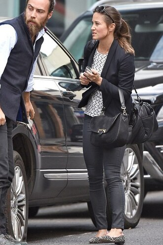 shoes top flats ballet flats pippa middleton blazer pants purse bag printed ballerinas black jeans black bag printed top black blazer