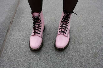 shoes soes pung pastel black dc martens pink drmartens light pink pink shoes boots tumblr shoes baby pink fashion cool cute shoes colorful docs drmartens bright grunge black and pink grunge shoes shorts dr marten boots black lace rain boots quality medium size boots pastel goth hipster pink boots flat boots