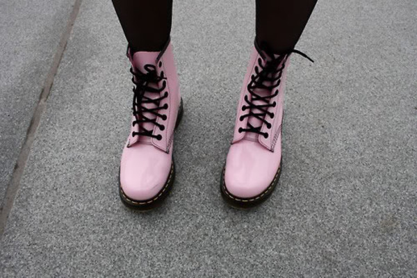 shoes soes pung pastel black dc martens pink DrMartens light pink pink shoes boots tumblr shoes baby pink fashion cool cute shoes DrMartens DrMartens colorful docs drmartens bright grunge black and pink grunge shoes shorts dr marten boots black lace rain boots quality medium size boots pastel goth hipster pink boots flat boots