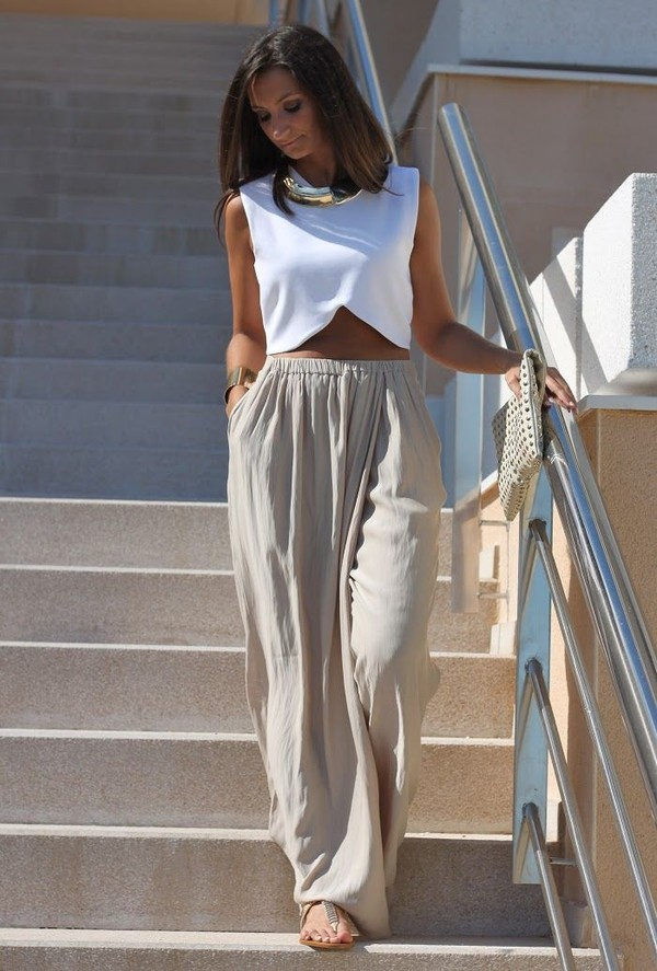 pants women's clothes t-shirt shirt crop tops blouse crop shirt crop tops tan white gold spring summer wide wide pants wide-leg pants white crop tops gold necklace clutch gold bracelet tumblr casual relaxed breezy wide-leg top whole outfit coat long pant white top fashion palazzo pants palazzo pants wide-leg pants white shirt long hair girl cute pretty nice dress jewels tank top beige skirt beige beige pants skirt hareem pants pants crimped pinterest flare loose sandals beige palazzo pants beach pants shoes flowy pants clothes b clothes pants and top cute top crop tops love maxi skirt maxi necklace aladdin trousers loose pants summer outfits cute outfits where to get any of this? holidays crop tops nude flowy summer top nude pants