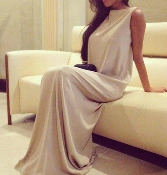 dress beige heels black clutch one direction beige dress maxi dress silver luxery deluxe hair girly khaki maxi elegant fancy white dress classy and fabulous fashion fabulous bige dress
