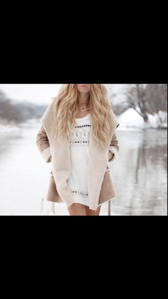 coat crem coat beige coat twitter jacket tumblr outfit winter coat