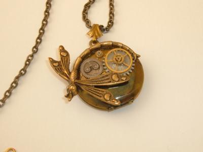 Steampunk Jewelry: A Locket In Time