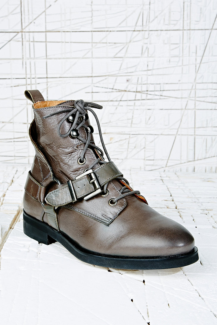 Deena & Ozzy Ruben Lace-Up Work Boots in Grey - Urban Outfitters