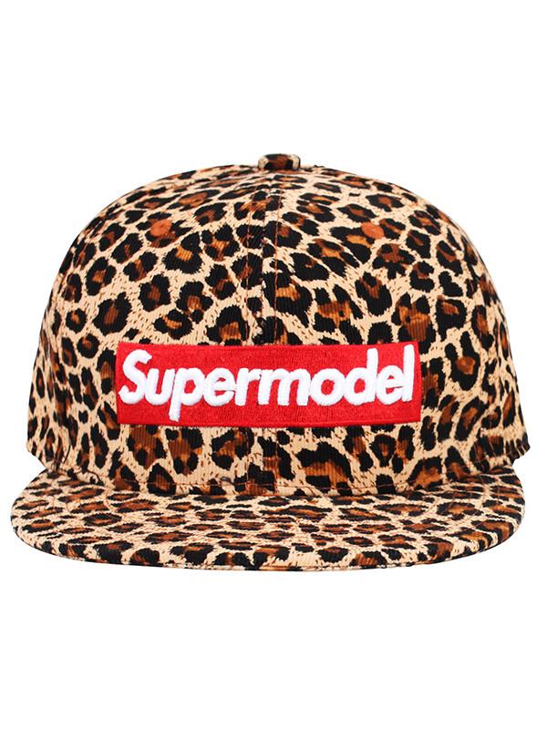 hat supermodel leopard print animal print graphic tee makeup table vanity row dress to kill chic rawr
